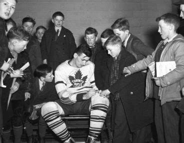 Six amazing archival photos of the Toronto Maple Leafs