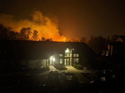 Fire at abandoned building burns 12 acres in Oregon City
